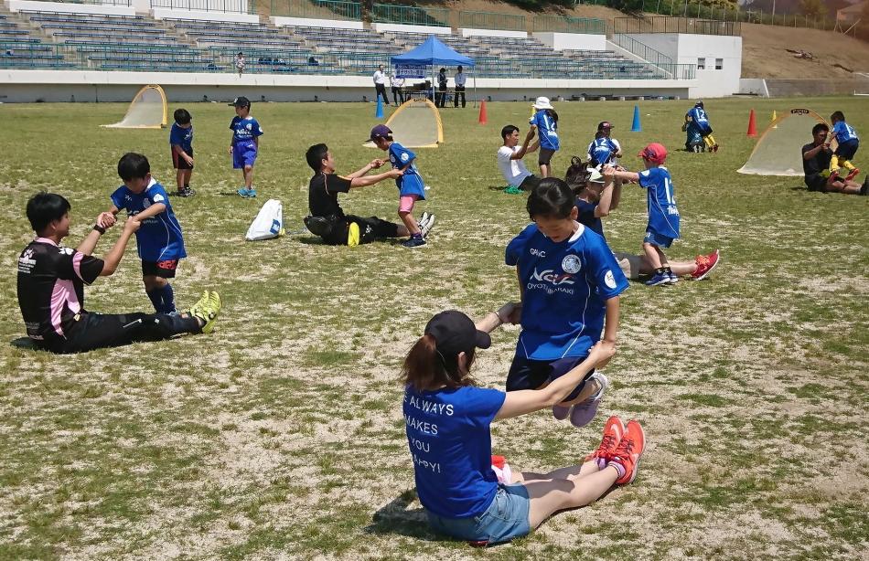 元気いっぱい!第4回「親子サッカー教室」を開催♪♪♪
